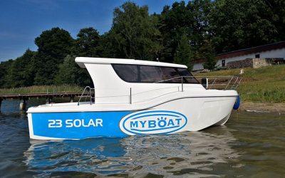 Ekologiczny Jacht Motorowy My Boat 23 – Dostępny